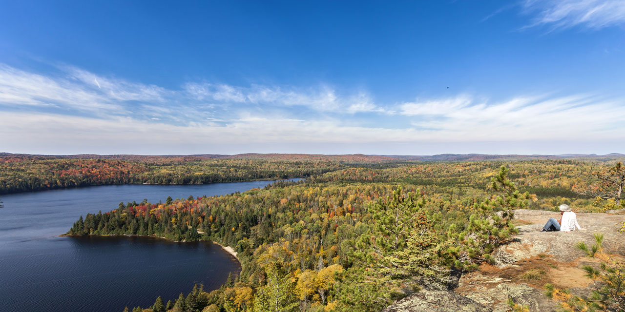 hinking to the ridge for spectacular views of algonquib park